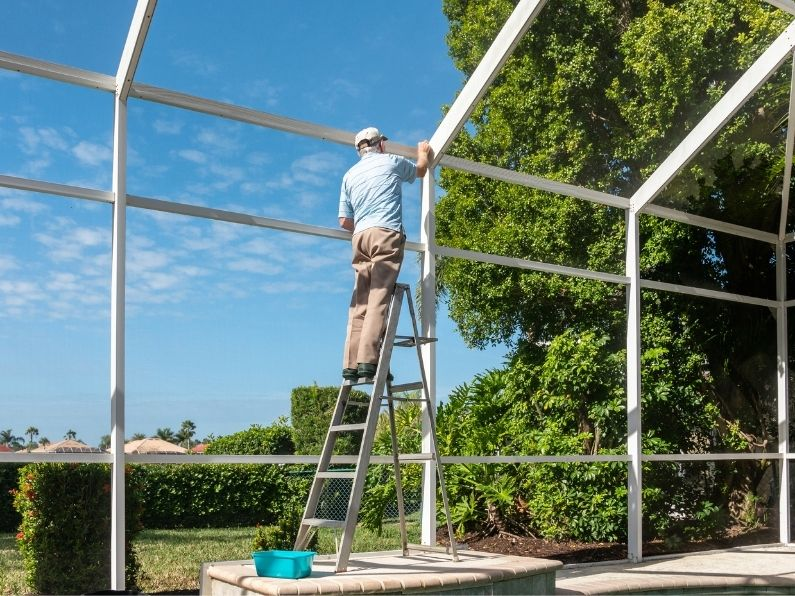 How To Maintain Your Pool's Enclosure